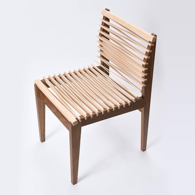 木の椅子画像